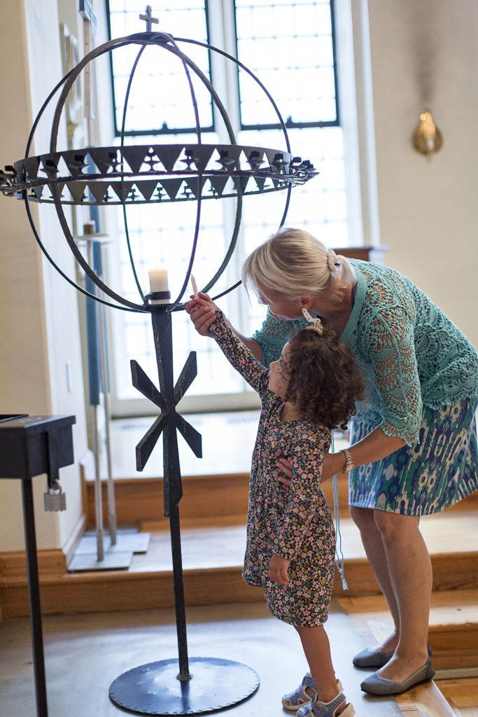 Mor och dotter, Svenska kyrkan i New York.